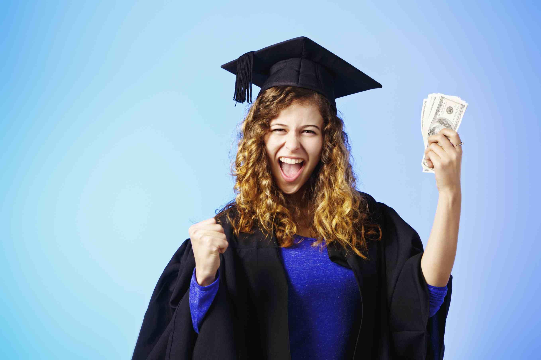 blog_scholarships_worth_applying_for.jpg